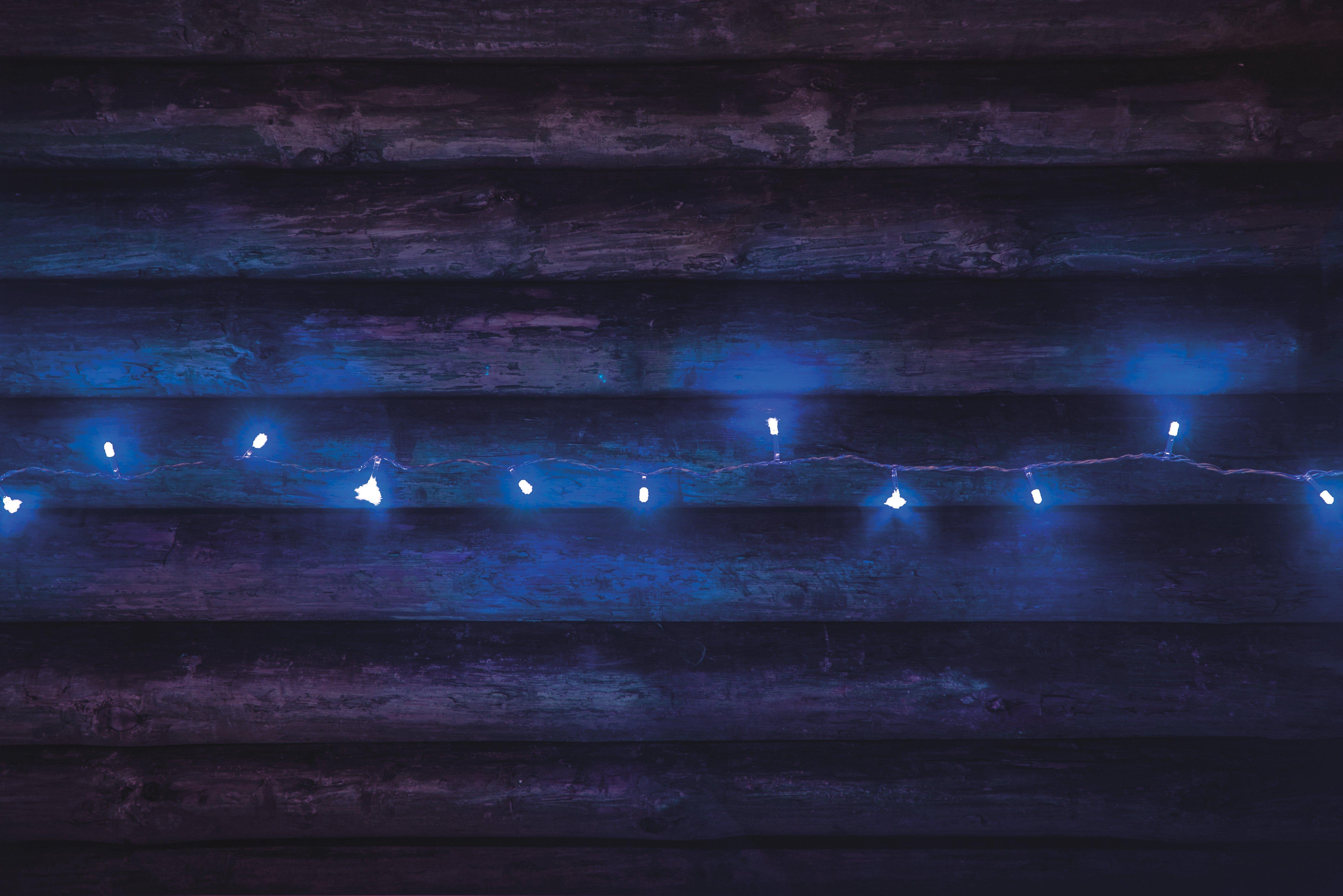 Valguskett sinine